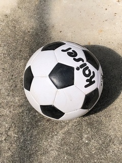202004_football.jpg